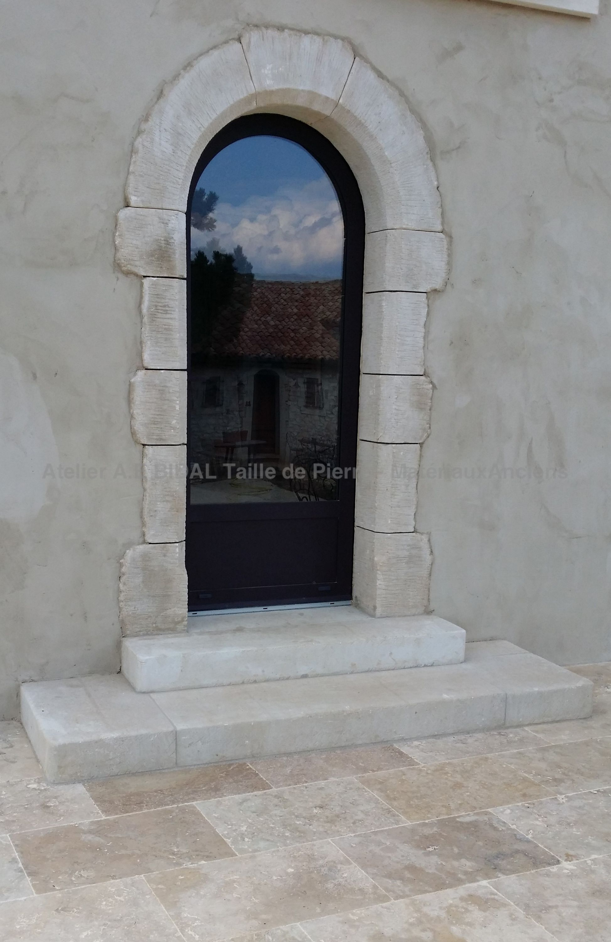 the stone of avy a natural stone from south of france