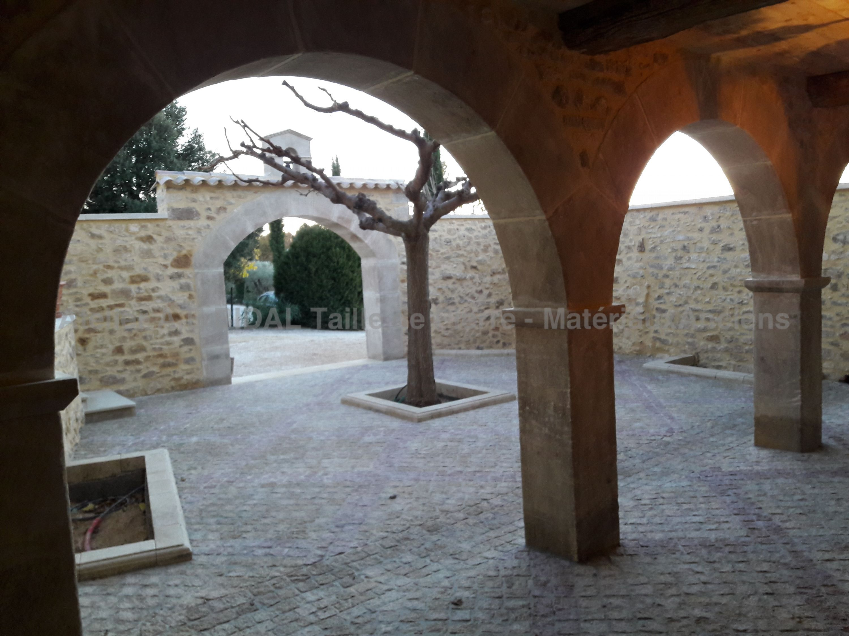 Baie Vitrée Voutée voûtes en pierre   arcades en pierre   réalisation de voûtes