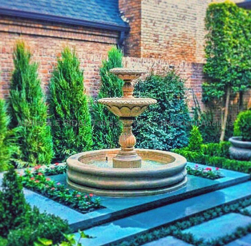 Fontaine centrale avec vasque en pierre | Fontaine de jardin en pierre