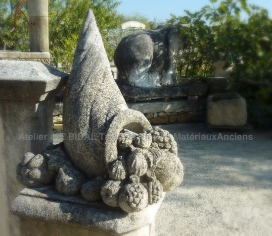 Sculpture in natural stone by oour craftmanship buisness