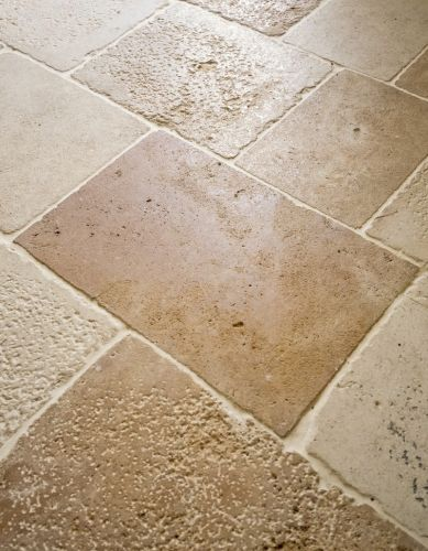 "Lovely rustic paving, paving made in natural stone in the style "" Fontenay Camargue Vieux Monde"""