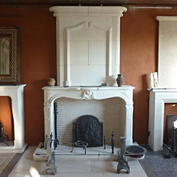 Franch Regency style fireplace, in Lens stone - Workshop AE Bidal.