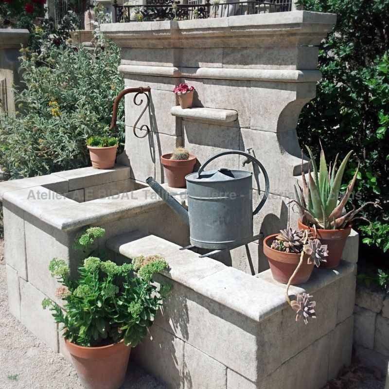 Garden fountain in French limestone - Garden decoration in stone