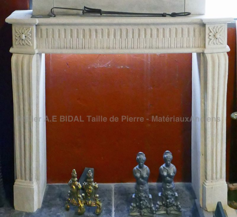 Nice fireplace in stone Louis XVI style - type of fireplace inspired of the 18th century