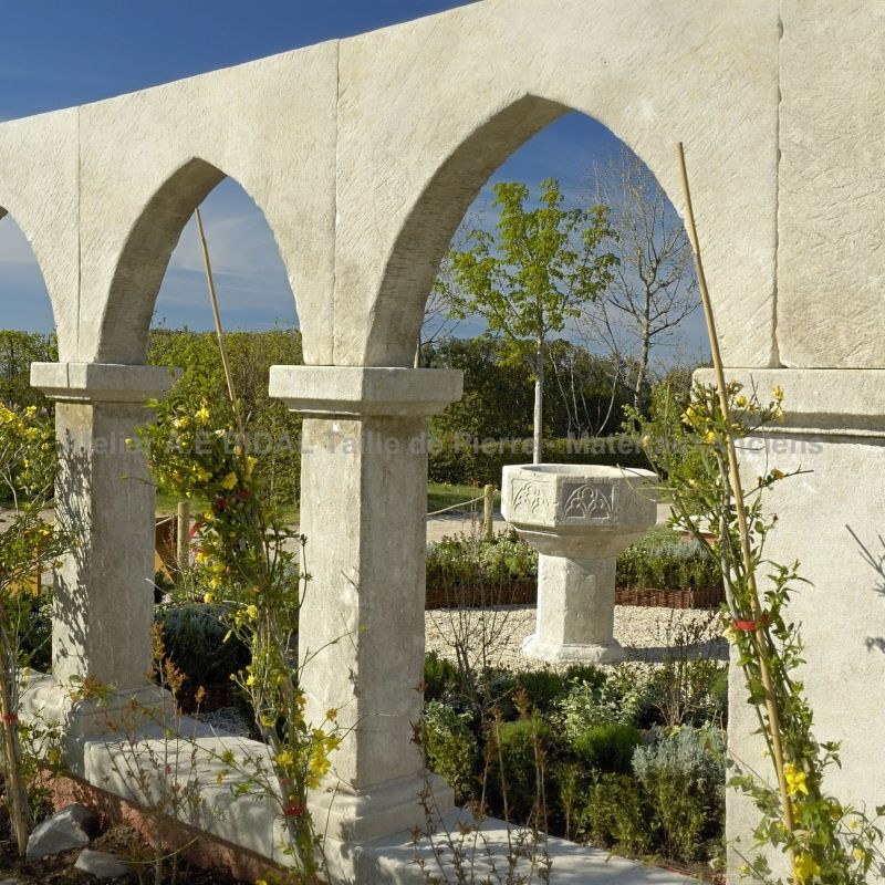 Beautiful cloister in stone - Impressive Architectural element made by our stone mason