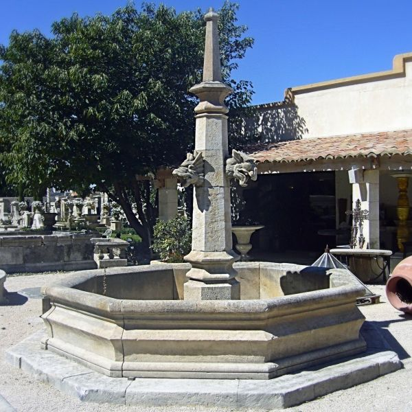 Beautiful Gothic-style fountain made according to the anscestral knowledge of the stone mason