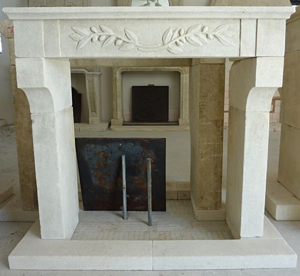 Small fireplace made in Estaillades stone