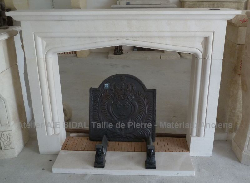 XIXth Century style stone fireplace - a decorative fireplace that has style !