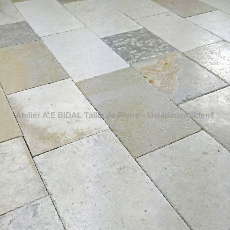 Lovely rustic paving - paving made in stone extracted in Dordogne, France called Limeyrat