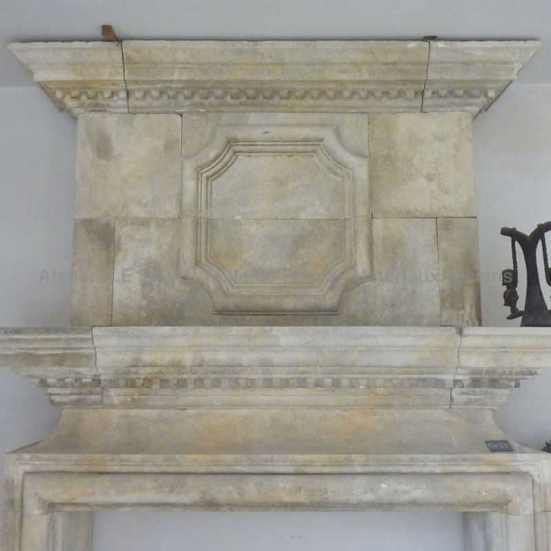 fireplace in Natural stone from Luberon
