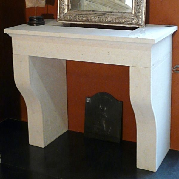Provence fireplace in natural stone hand made by our stone mason.