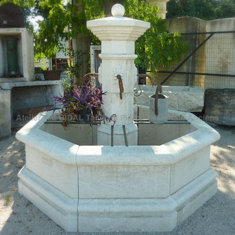 Fontaine de Vaucluse by Bidal Workshops, stone cutting and antique materials in Provence | Central fountain made of natural French stone.