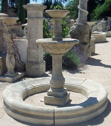 French limestone central fountain carved by our stone mason of the craft firm Alain Bidal - Provence.