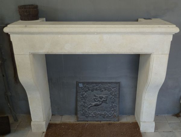 Pretty model of fireplace in stone inspired by a Provencal style fireplace.