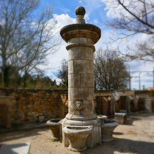 Large garden fountain - Castle fountain