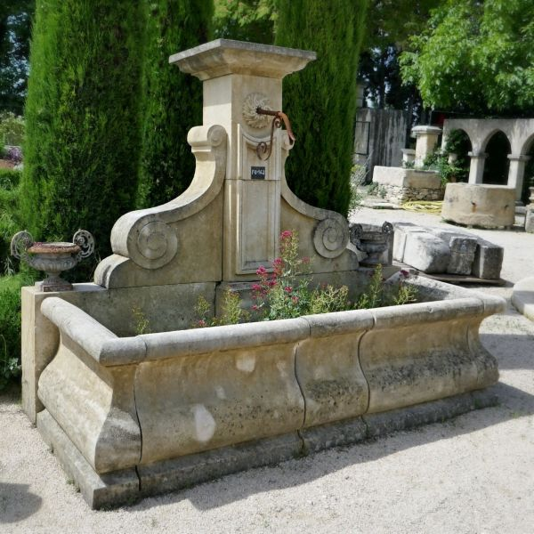This garden fountain is a unique creation from Alain BIDAL in Provence