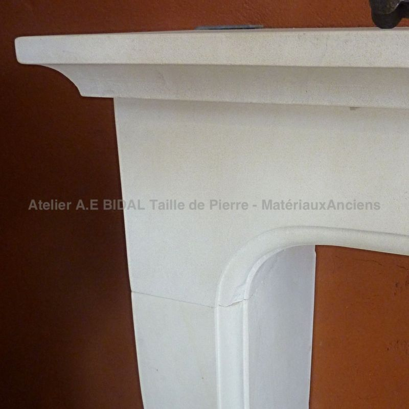 Traditional provence fireplace full of charm, a creation signed by AE Bidal.
