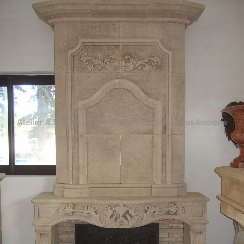 Fireplace  in Louis XIV style in Estaillades stonem extracted in a Provence Quarry