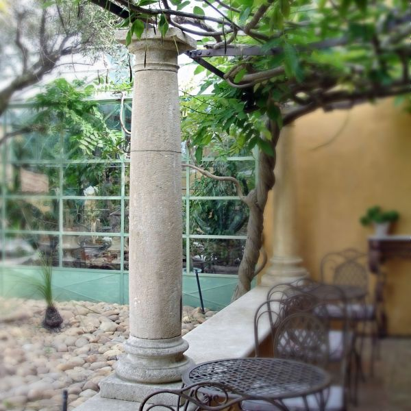 Tailor-made and handcrafted stone column for outdoor landscaping : Atelier Alain BIDAL