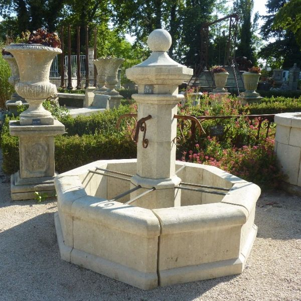 Central fountain in Avy stone, a creation signed by the Bidal Workshop