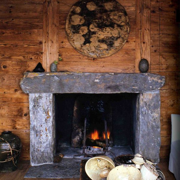 Classic fireplace, rustic style in Freestone